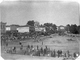 Народные гуляния на базарной площади