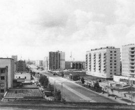 Улица Коммунистическая, вид со стороны кольца в сторону ж/д вокзала