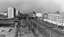 Улица Коммунистическая около кинотеатра Парма